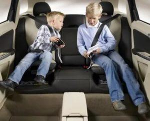 Со скольки лет можно ездить без кресла