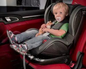Со скольки лет можно ездить ребенку впереди