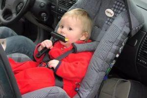 Можно ли ребенка сажать вперед в автокресле