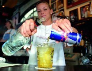 Со скольки лет можно пить редбул